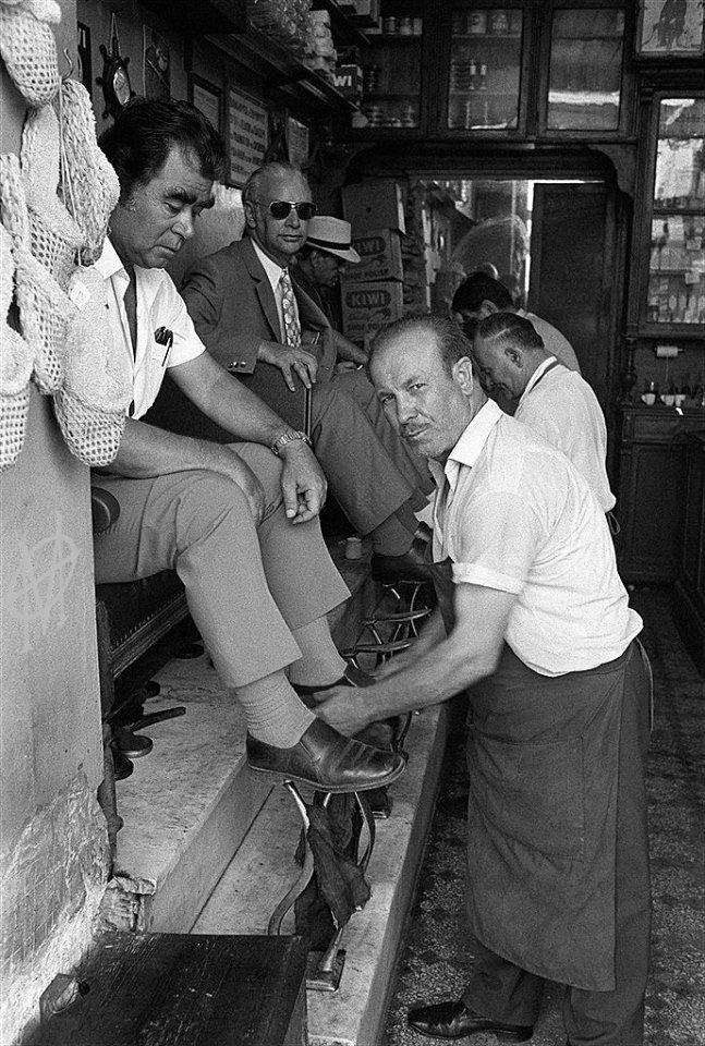 Athens,Greece,Daniel Simon, 19 Ιουλίου 1973, Αθήνα, στιλβωτής υποδημάτων.