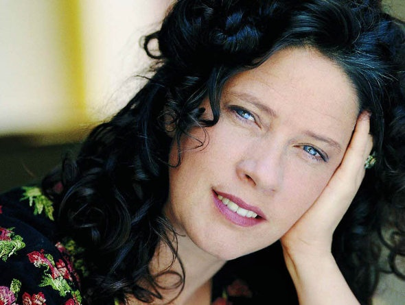 Kathy Kelly (March 6, 1963) American singer, known from the Kelly Family.