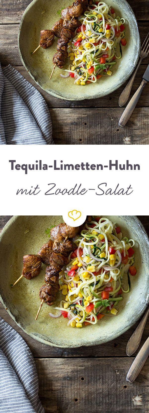 Tequila-Hähnchen kombiniert mit einem Salat aus süßlichem Mais, milder Zucchini und frischem Koriander schmeckt man förmlich den Sommer.