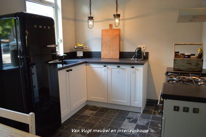 landelijke keuken op maat www.vanvugtmeubeleninterieurbouw.nl