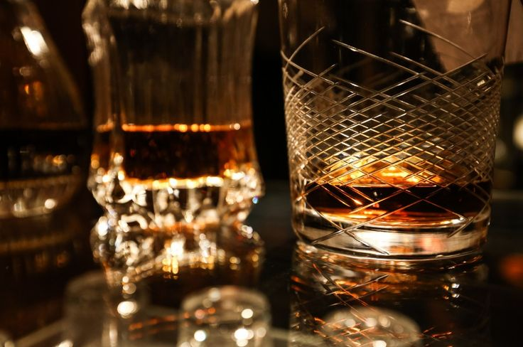 What's the best scotch whisky of 2014-2015? Our experts tried hundreds of whisky brands to find the top 10 single malt & blended bottles of scotch whisky.