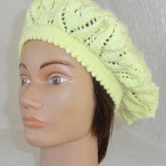 Béret ou bonnet femme en laine coloris jaune point fantaisie ajouré tricoté à la main