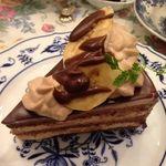 オールド・ローズ・ガーデン - チョコバナナショートケーキ(アフターヌーンティーセット上段)