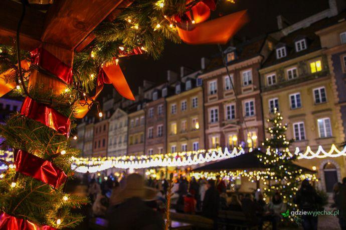 Warszawa świąteczna iluminacja http://gdziewyjechac.pl/24837/pryjedz-zakochaj-sie-w-warszawie-na-swieta-mowili.html