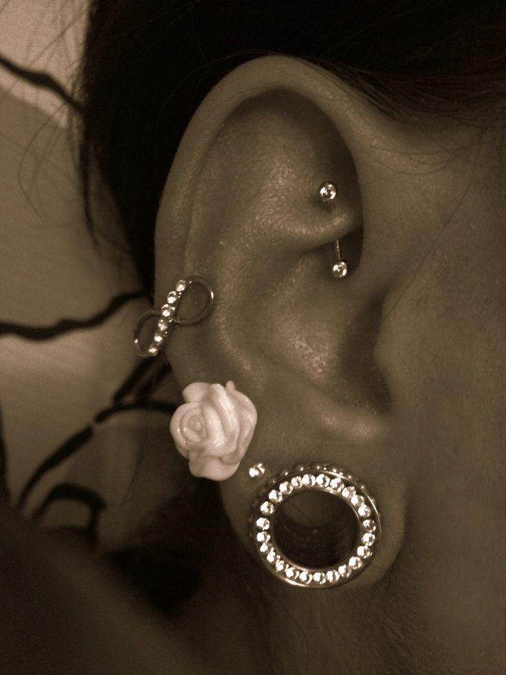 girls with gauges in ears | ear piercings, earrings, jewelry, gauges... I don't really like gauges ...