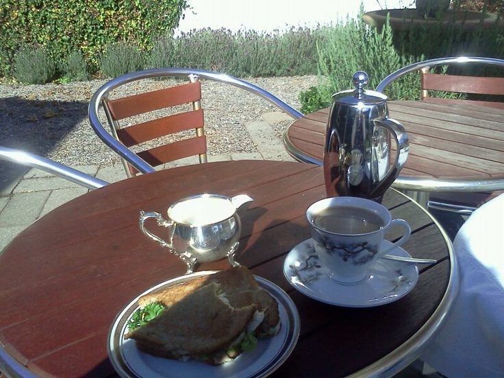 Lunch at Reign of Pearls, Myrtleford