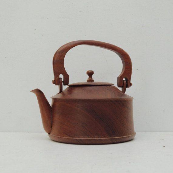 Vintage à la main sculptée en bois théière Chinois par OurPhatBrass