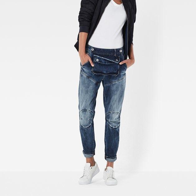 Deze donkere raw denim jeans haalt het beste uit de bikerlook met een onconventionele extra zak en tailleband met dubbele sluiting.