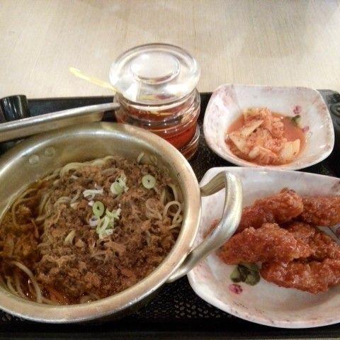 Original Ramyun with Korean Fried Chicken. #KoreanFood I had in one of Korean resto.