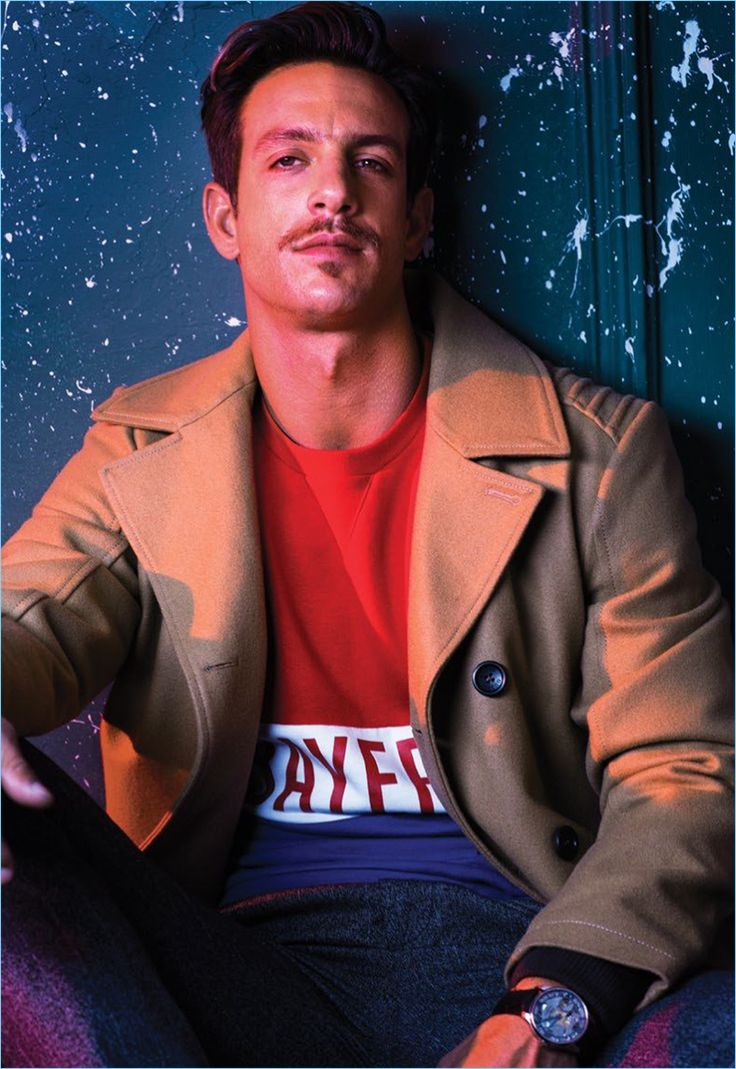 Club de Cuervos actor Joaquín Ferreira snags the most recent cover of Maxim México. Creative duo Turner & Palma photographs the star for the magazine's December 2016/January 2017 issue. Taking to a club, Ferreira is front and center in modern fashions. Embracing an air of mystery, the Argentinean actor connects with stylist Priscila Cano. Here,...[ReadMore]