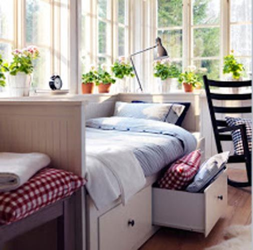17 best images about small guest room on pinterest
