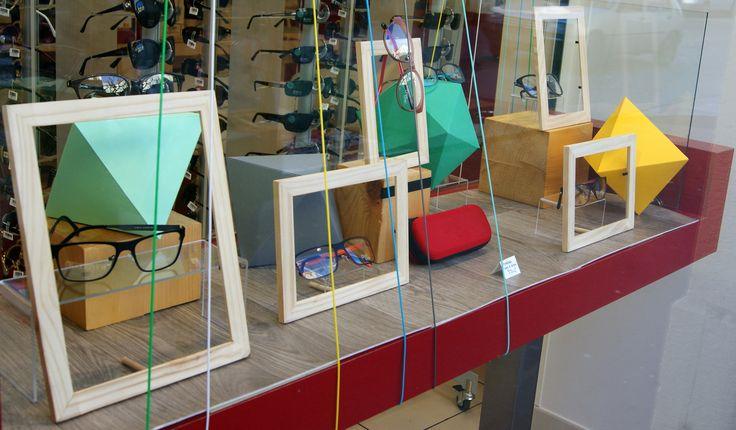 1000 id es propos de magasin optique sur pinterest vitrine magasin opticien et magasin lunette. Black Bedroom Furniture Sets. Home Design Ideas