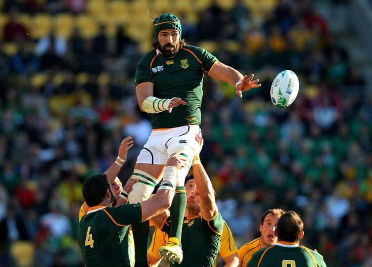 Victor Matfield wins lineout ball for South Africa