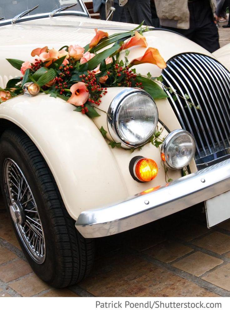 Blumenschmuck für Hochzeitsauto Oldtimer Deko mit Blumen für russische Hochzeiten