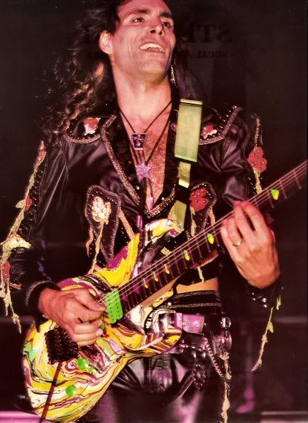 1000 images about guitarists on pinterest gary rossington allen collins and dave murray. Black Bedroom Furniture Sets. Home Design Ideas