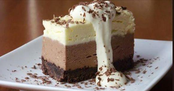 Cheesecake al triplo cioccolato. Scopri la nostra ricetta.