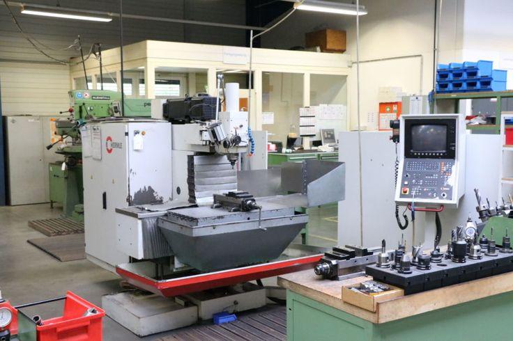 Mașină de polizat scule HERMLE UWF 900 E Universal Production and second hand