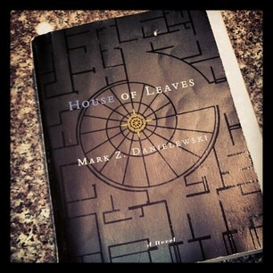 House of Leaves this book haunted my soul: Creepiest Books, Current Reading, Books Worth, Leaves Nothings, Books Shelf, Books Movie Music Televi, Books Haunted, Fun Reading, Houses Of Leaves
