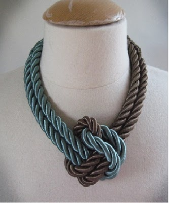 Tutorial for necklace made out of curtain tiebacks... Thinking this might be nice for my honor cords from graduation :)