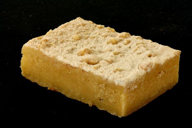 Hier ein typischer Thüringer Kuchen. Einfach, schnell gemacht und kein Hefeteig, sondern Backpulver Teig. Das ist schon immer einer meiner persönlichen Lieblingskuchen! Ich habe das Rezept modifizi…