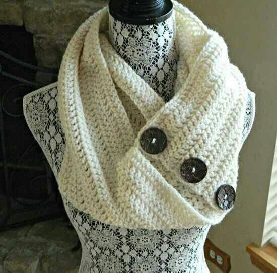Double crochet, Infinity scarfs and Crochet buttons on Pinterest