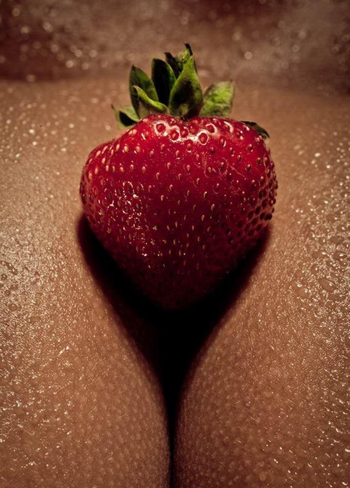 strawberry-girls-naked