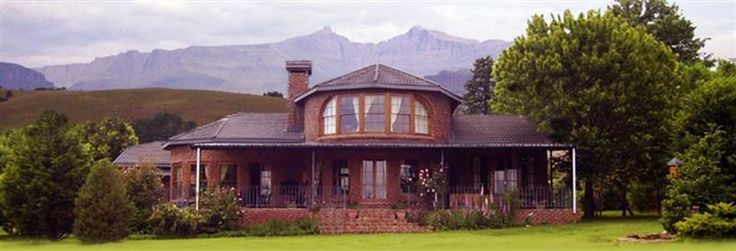 Dunfords Loft - Dunford's Loft is situated in the village of Himeville in the Southern Drakensberg of KwaZulu-Natal, 5 kms from the Underberg.  Here you will enjoy warm, friendly hospitality in a relaxed environment with ... #weekendgetaways #himeville #southafrica