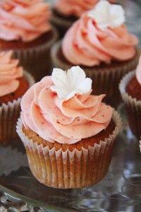 Jordbær cupcakes med jordbær frosting