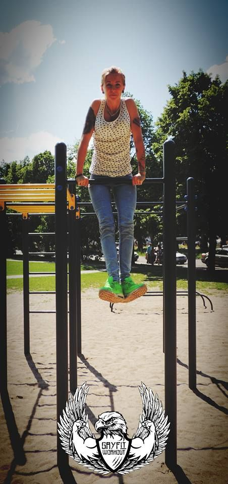 Martina and her first muscle up :D