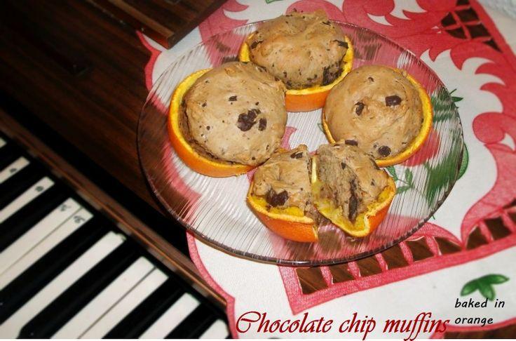 Chocolate chip muffins baked in orange - http://hungarianfoodguide.blogspot.hu/2014/06/chocolate-chip-muffins-baked-in-orange.html#more