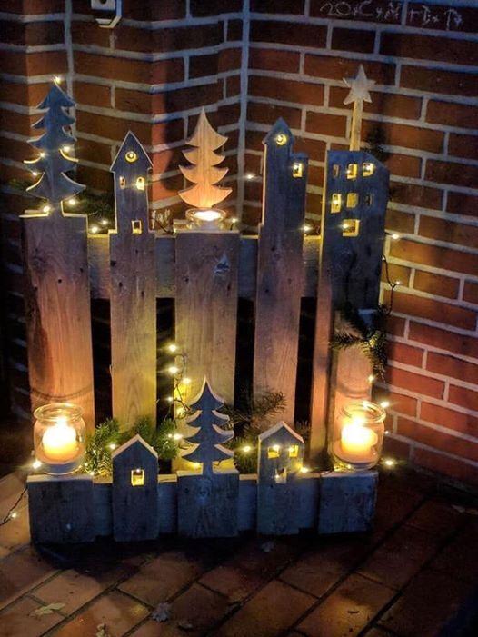 Das Bild kann enthalten: Nacht, Feuer und Kerzen   – Wood