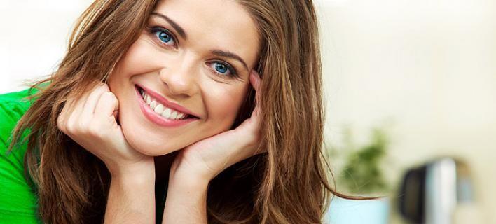 Οι λόγοι που το χαμόγελο είναι πηγή ζωής:  Δέκα τρόποι που επιδρά θετικά στον οργανισμό μας
