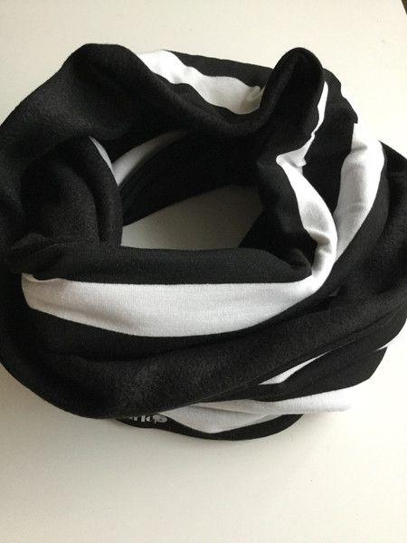 gemustert - Loop Schal schwarz / weiß gestreift Jersey - ein Designerstück von Heavenslight bei DaWanda