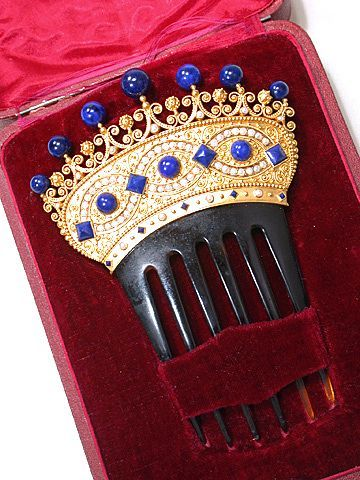 Victorian pearl and lapis gold comb