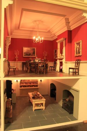 """Anglia Dolls Houses by Tim Hartnall - Ready to """"move in"""" (jt- Kensington House kitchen and dining room)"""