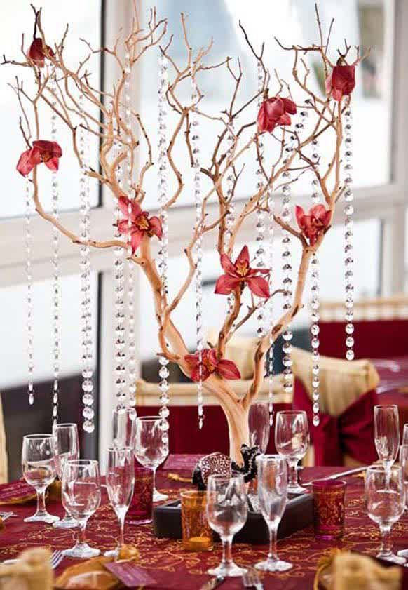 Decoration, Amazing Picture Nice Branch Wedding Centerpiece With Hanging Crystals Good Small Hanging Lamps Good Picture Nice Small Glass Picture: The Unique Designs Of Christmas Wedding Centerpieces With The Nice Accessory
