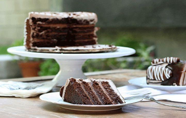 Λαχταριστή σοκολατένια τούρτα τιραμισού