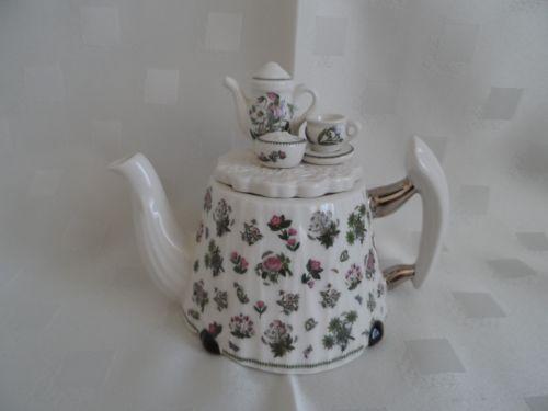 Portmeirion-Small-Decorative-Teapot