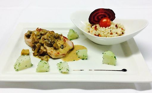 Pork escalope with creamy mushroom sauce and pearl barley risotto #restauranttaverne #hotelinterlaken