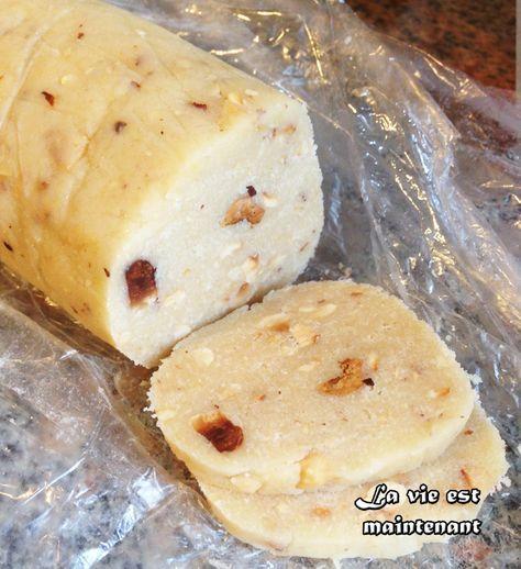 Recette de ma tante qui en fait à chaque année dans le temps des fêtes. Ces biscuits créent une forte dépendance, on en mange sans pouvoir s'arrêter! Ils sont croustillants et vraiment goût…