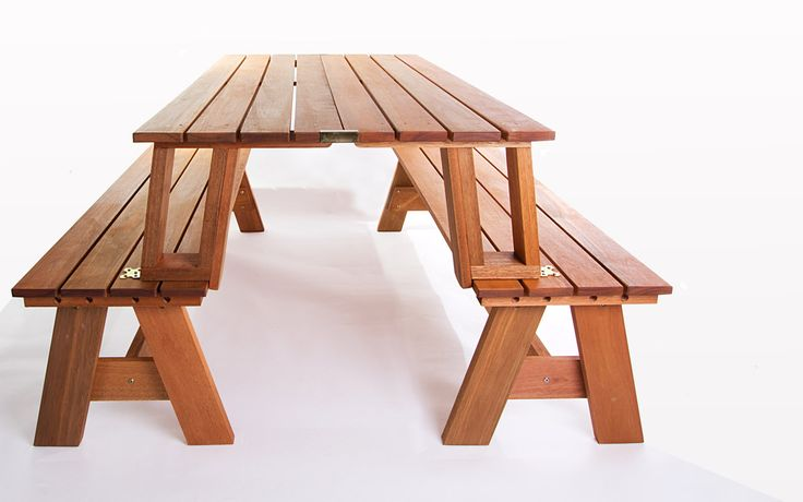 Banco que vira mesa ou mesa que vira banco? Com o Conjunto de bancos /mesa Multi-uso você pode transformar dois bancos em uma mesa com bancos e ter em sua churrasqueira ou espaço gourmet uma criativa mesa para churrasqueira de madeira! O produto é multifuncional! Apenas girando o encosto destes bancos para jardim você forma uma mesa de madeira com bancos embutidos para piqueniques. E o mais bacana é que para isso você não necessita chaves ou parafusos. É só girar os encostos dos dois ...