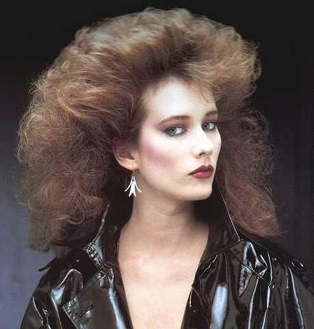 80s hairstyle 32 by MsBlueSky, via Flickr = an easy curly blow out I can do :)