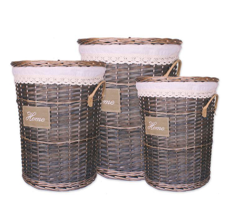 Cestos de mimbre con tapa y forrados con tejido en el interior