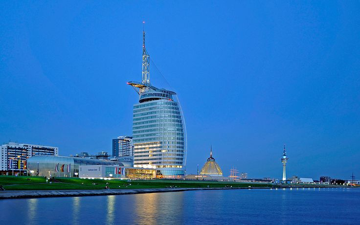 Bremerhaven Atlantic Sail City Hotel Blaue Stunde