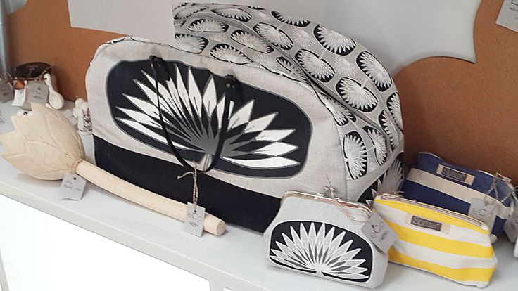 Suzie Qu weekender design B's lily with Clip purse.