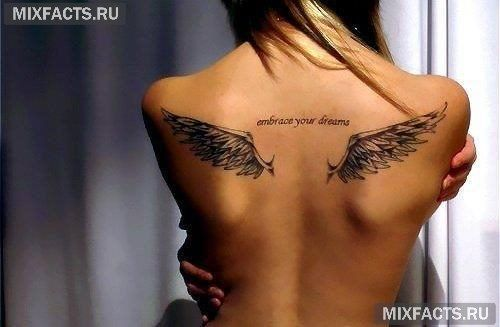 татуировки ангелов для девушек на спине