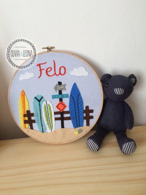 Baby name embroidery hoop / Baby name banner / por OliviayLeona
