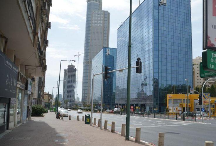 Улица Жаботинского. Башни-близнецы Rakoon, CC0 1.0