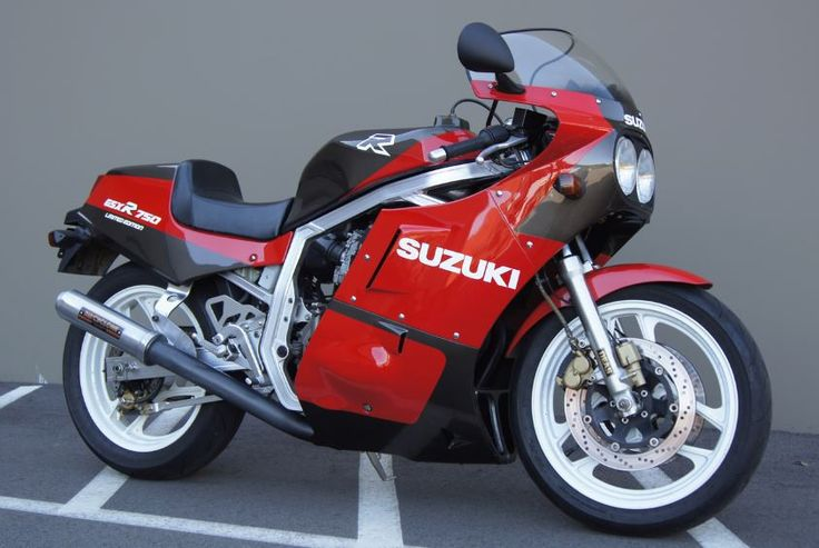 The Suzuki GSX-R 750 Limited Edition is already a legend in the US among 80s sportbike collectors, but here's something even rarer – a home market (JDM) version, which had a different paint scheme. In the US, the Limited Edition cost 1.5 times as much as the base 750 Gixxer thanks to a $2,000 dry clutch upgrade, solo tail cowl, steering damper, metal fuel tank, and a whole bunch more. I've seen production estimates between 500 and 1,000.