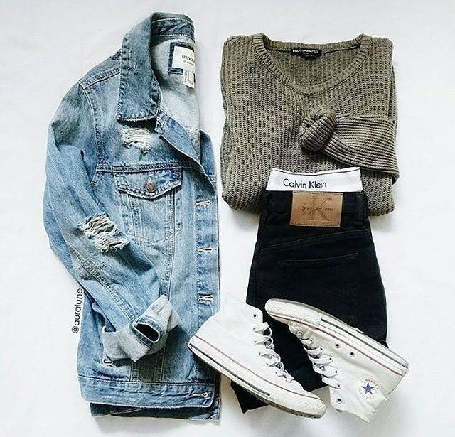 Ajouter une veste en jean est un moyen idéal pour amplifier votre pull en trico…
